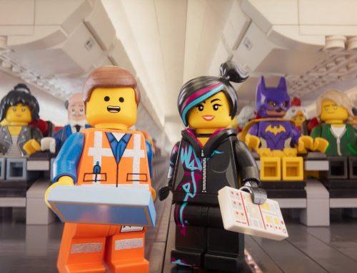 Los personajes de Lego te cuentan las normas para volar